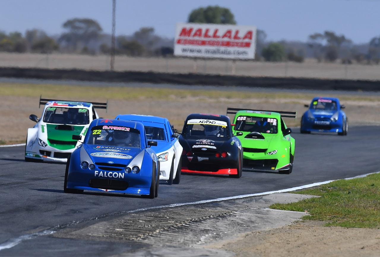 Round 4 wakefield park miniature race cars preview